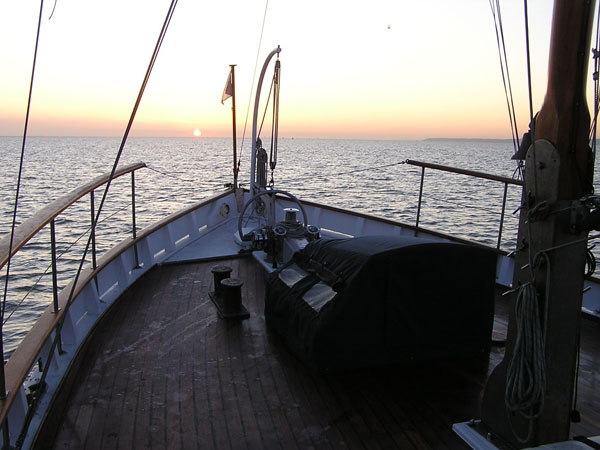Photograph of a winter dawn on the Lower Thames